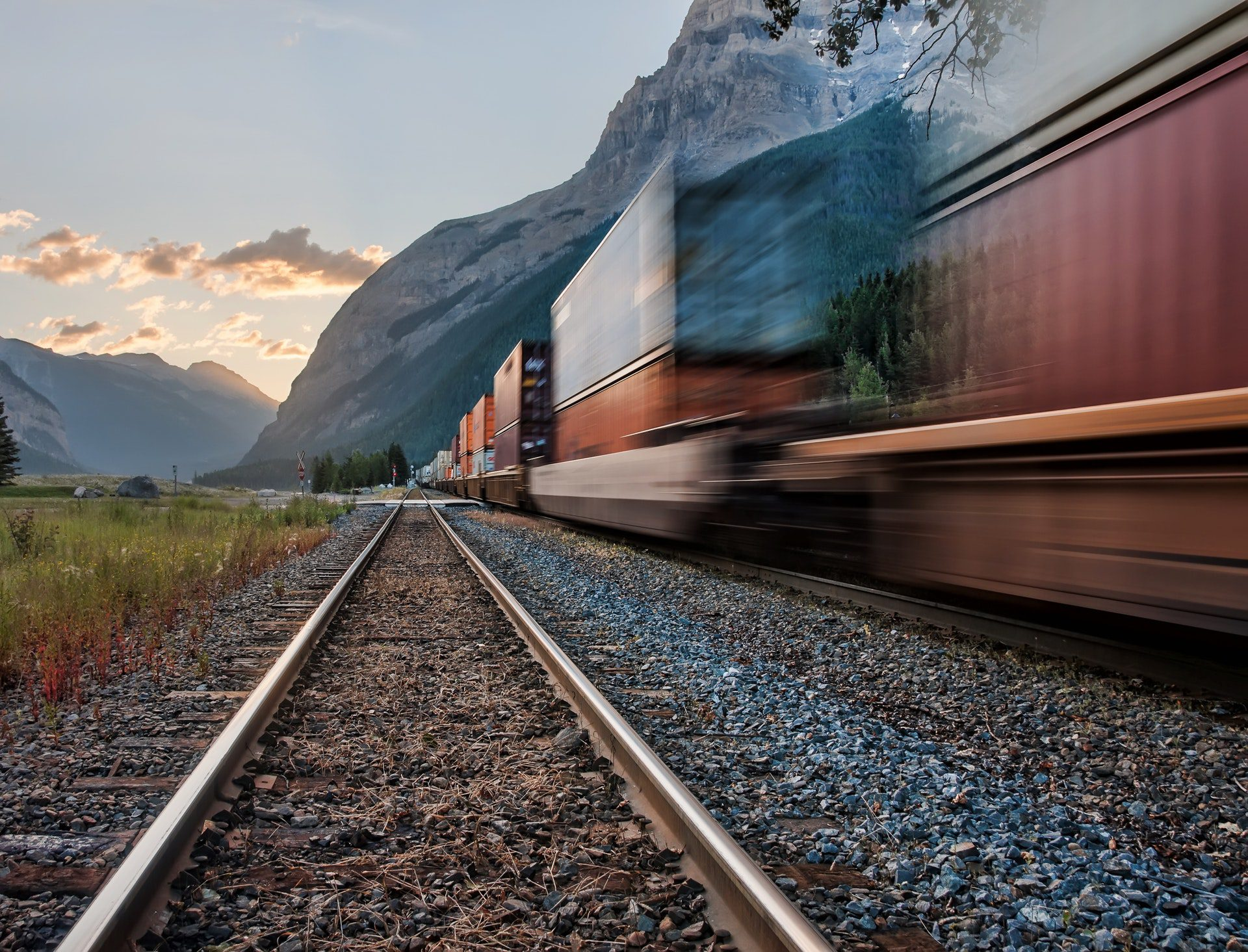 freight companies calgary-daylight-freight